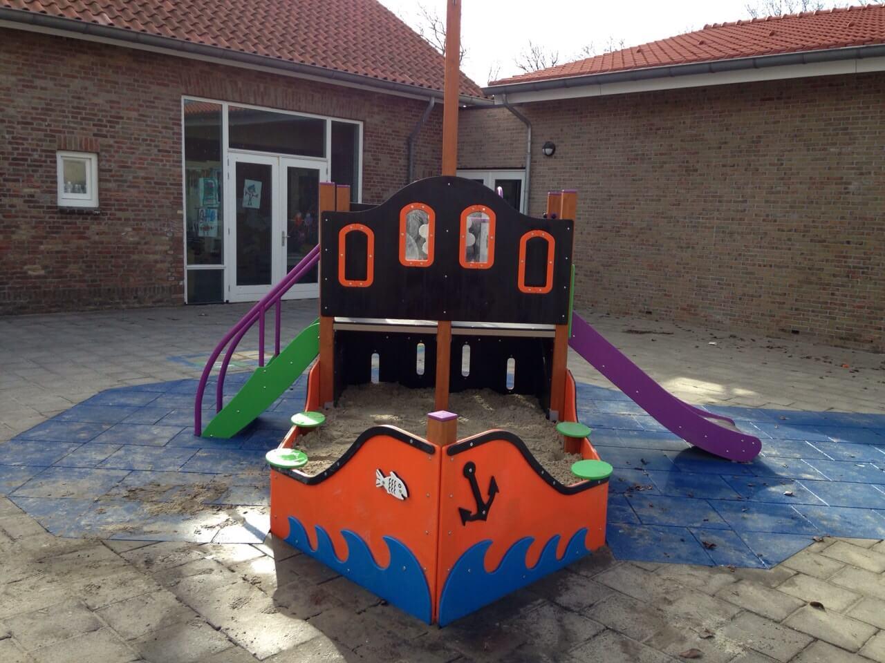 Speeltoestel Piratenboot