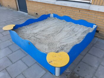 Zandbak met afdekgaas